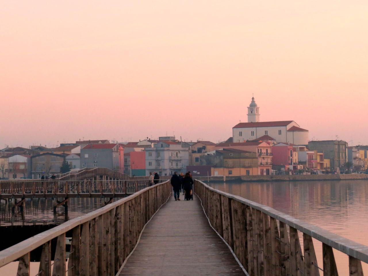 Lesina: os encantos de um dos lagos mais bonitos da Puglia