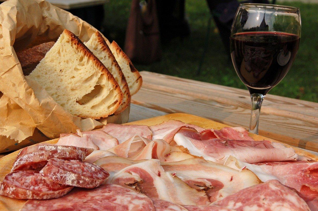 Ciauscolo, o salame típico da região Marche