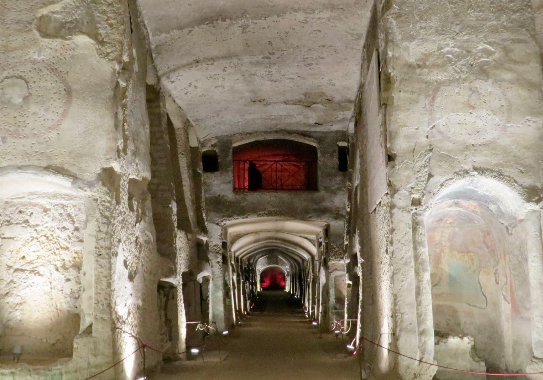 Catacumbas de Nápoles: um passeio imperdível