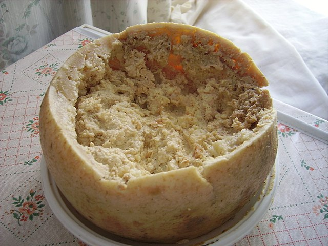 Casu Marzu: O queijo com larvas que é uma iguaria da Sardenha